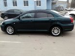 Такси Барнаул-Толмачёво. Комфортная Тойота Avensis (2006). Вид сбоку